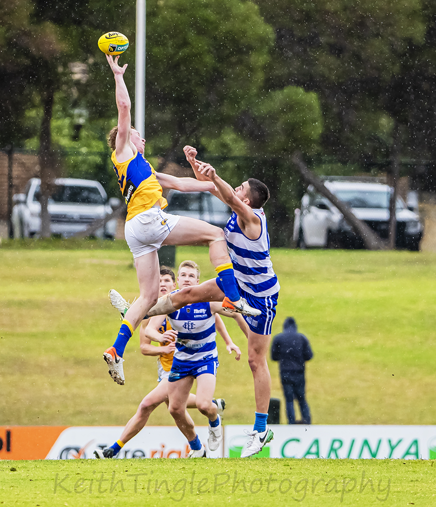 WAFL,FOOTY,JUMPING,BALL,CONTEST